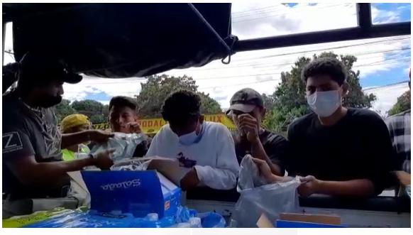 Caravana en solidaridad con las personas migrantes entregó alimentos