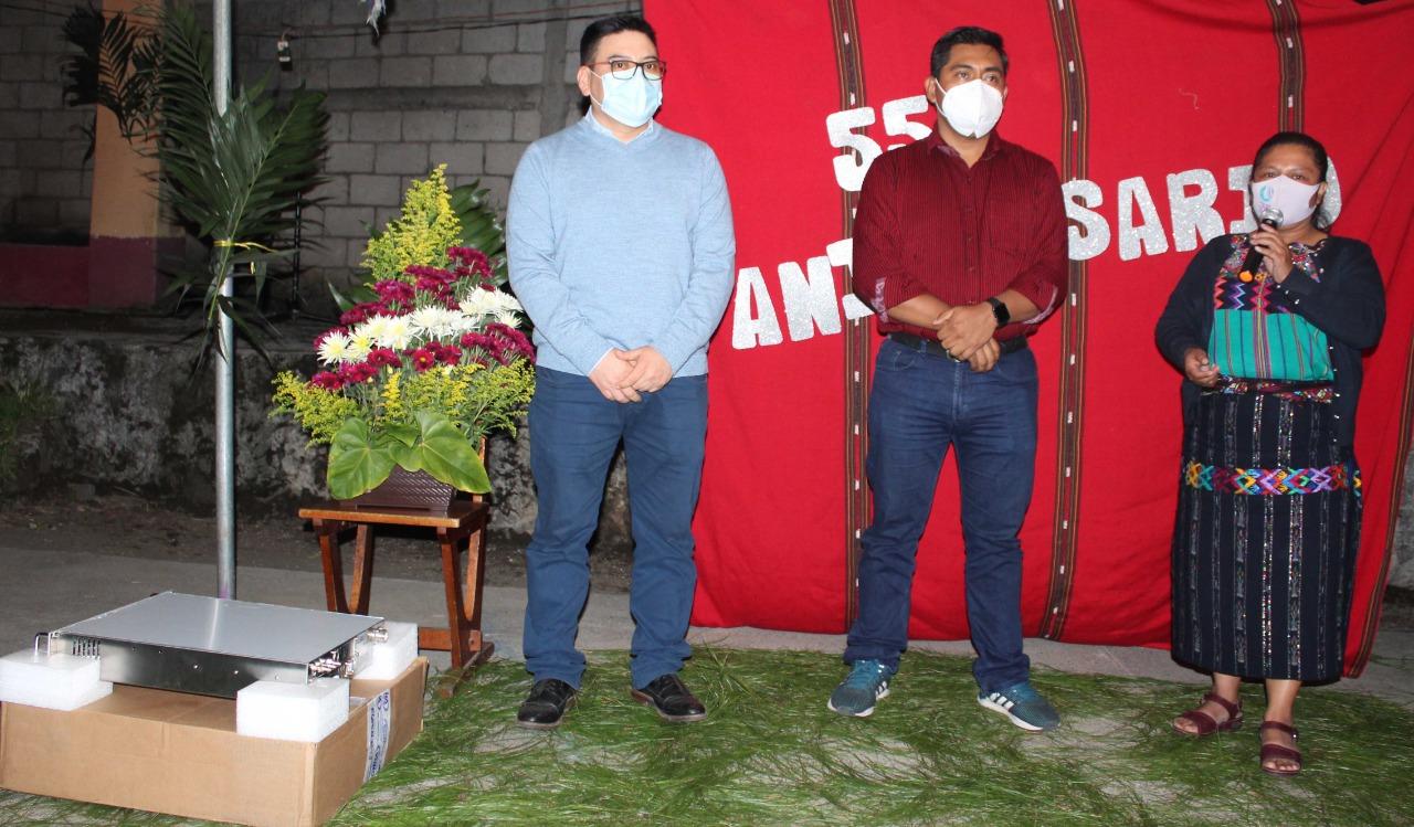 La voz de Atitlán cumple 55 años de hacer radio