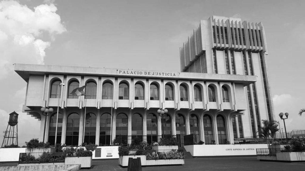Niegan el ingreso a audiencia de trámite de antejuicio contra juez Pablo Xitumul
